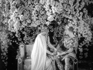 1923.Nibelungen.Paar unterm Baum